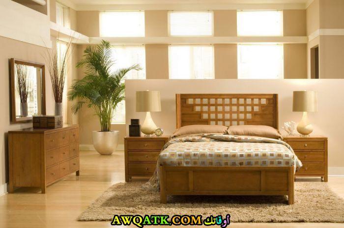 غرفة نوم خشب بلوط جميلة جداً