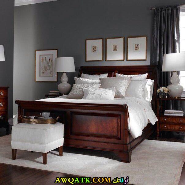 غرفة نوم بنية اللون رائعة