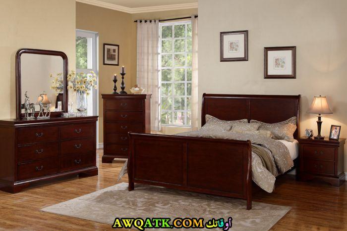غرفة نوم باللون البني شيك جداً