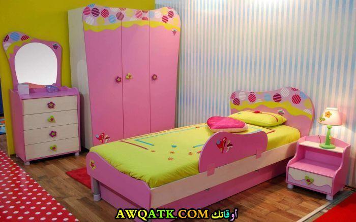 غرفة نوم طلاء رائعة وشيك