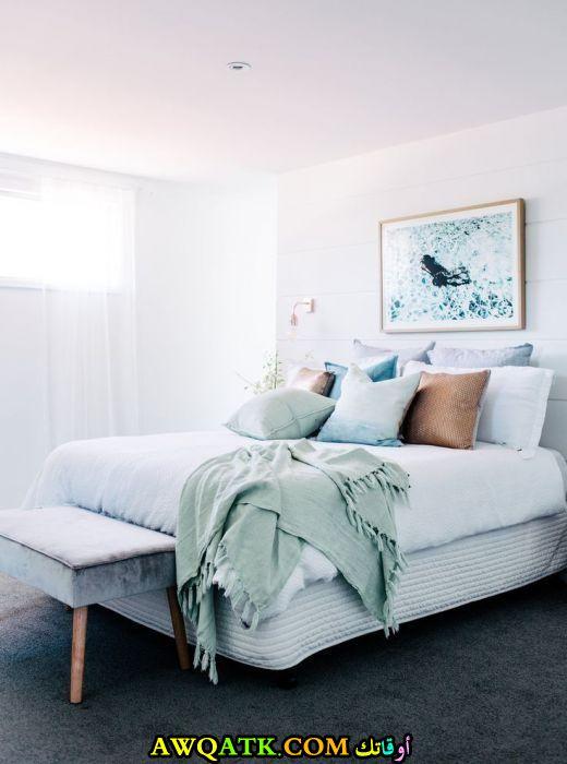غرفة نوم بيضاء قمة الهدوء