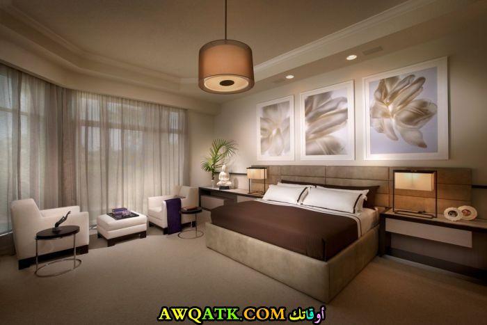 غرفة نوم كبيرة بااللون البني