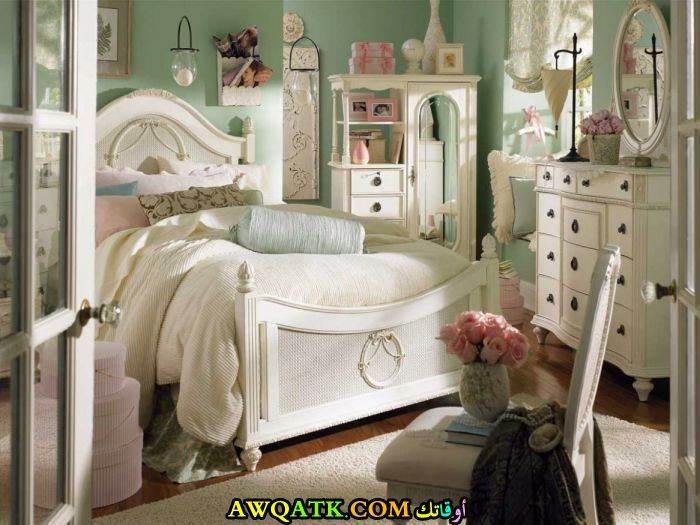 غرفة نوم كلاسيك للبنات شيك
