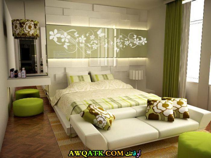 غرفة نوم رائعة باللون التفاحي