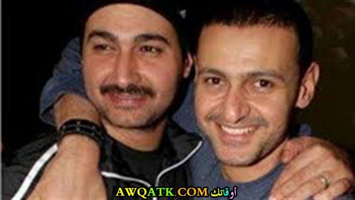 صورة للفنان رامز جلال مع أخوه ياسر جلال