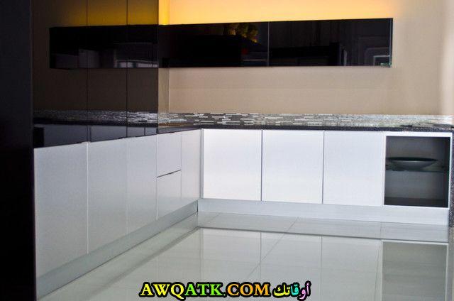 مطابخ الومنيوم راقي جداً وجميل باللون الأبيض