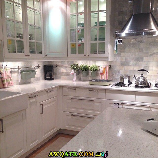 مطبخ باللون الأبيض جميل جداً من إيكيا