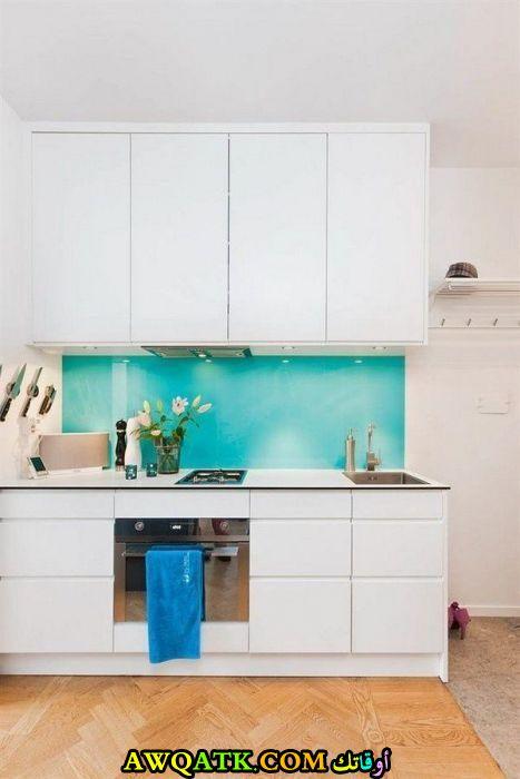 مطبخ جلاس باللون الأبيض رائع
