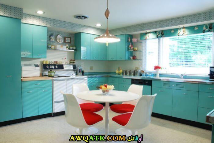 مطبخ مودرن وشيك باللون الجنزاري