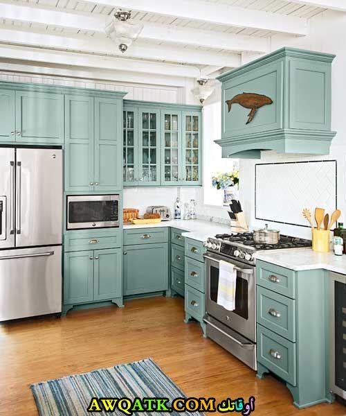 مطبخ في قمة الجمال باللون الجنزاري