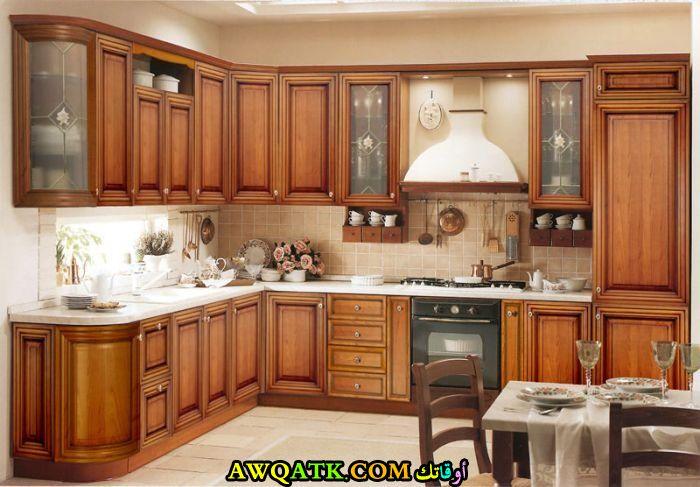 مطبخ خشب يناسب الذوق الهادي