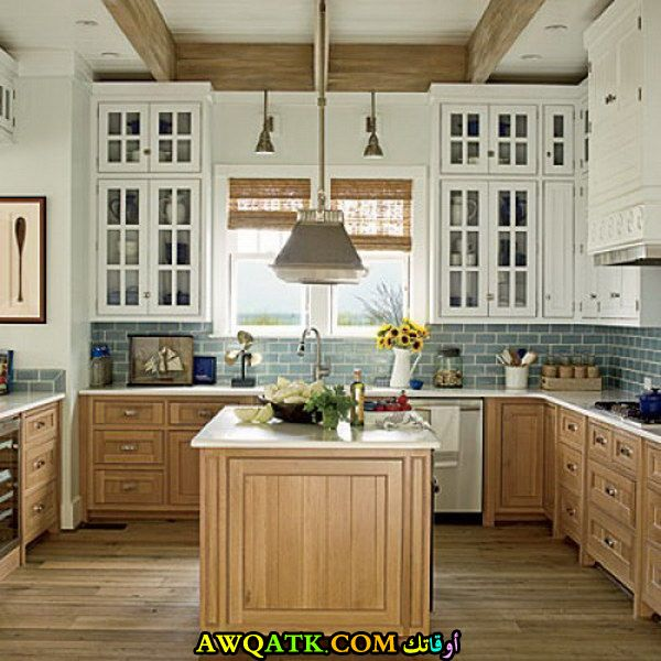 مطبخ جميل جداً باللون الأبيض البيج
