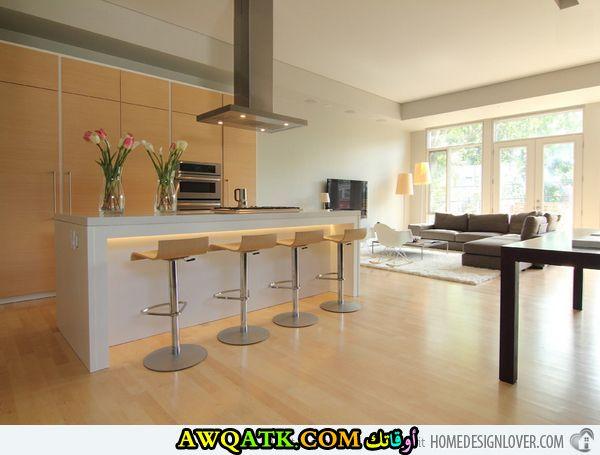 مطبخ ديزاين مفتوح باللون البيج