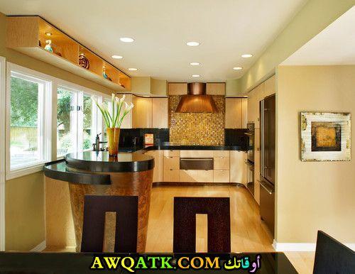 مطبخ جديد ورائع باللون الذهبي
