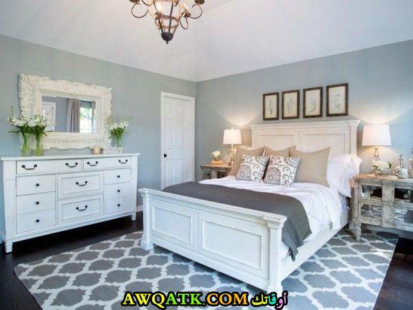 أباجورة تناسب غرف النوم الكلاسيك جميلة جداً ورائعة