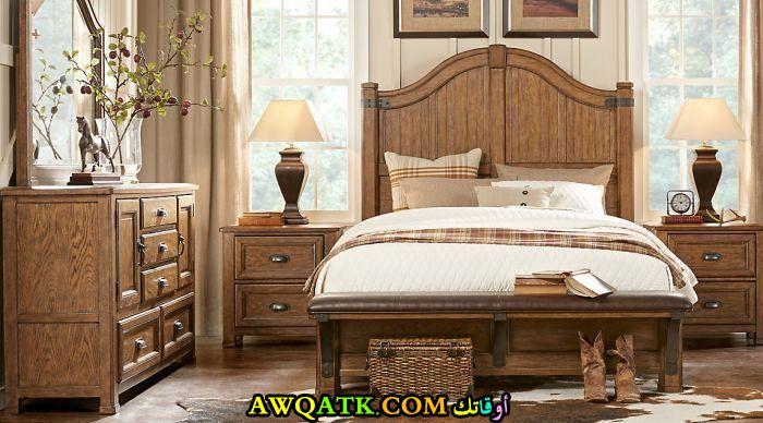 أباجورة غرفة نوم جميلة وبسيطة
