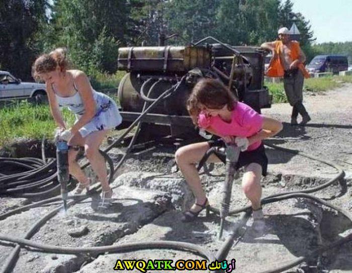 النساء و العمل الشاق