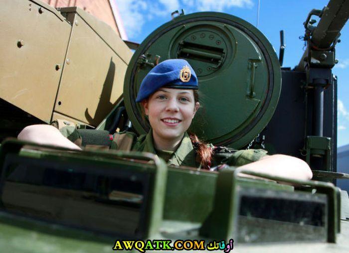 تخرج من الدبابة