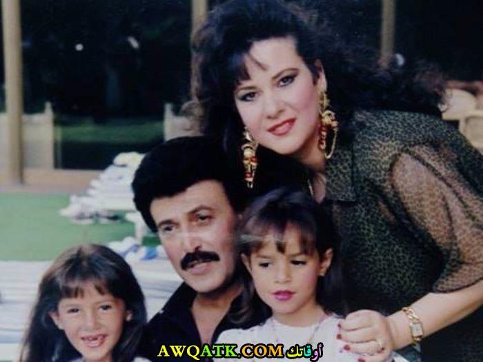 صورة عائلية للفنان سمير غانم مع بناته و زوجته