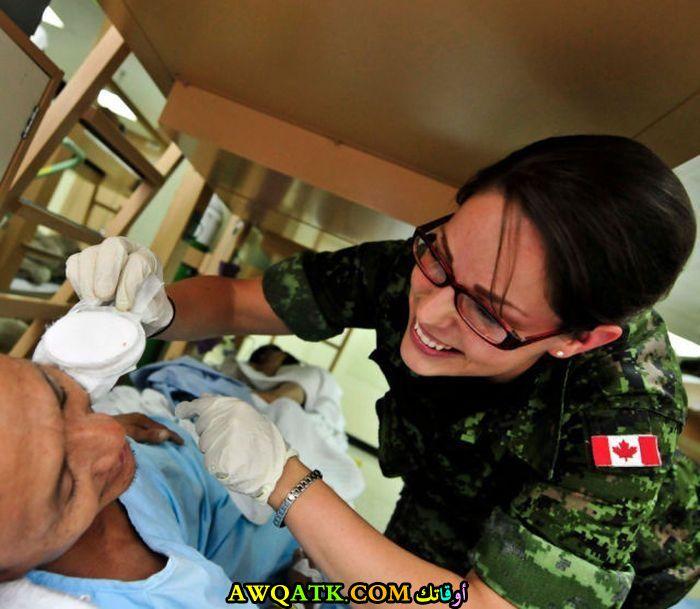 طبيبة كندية