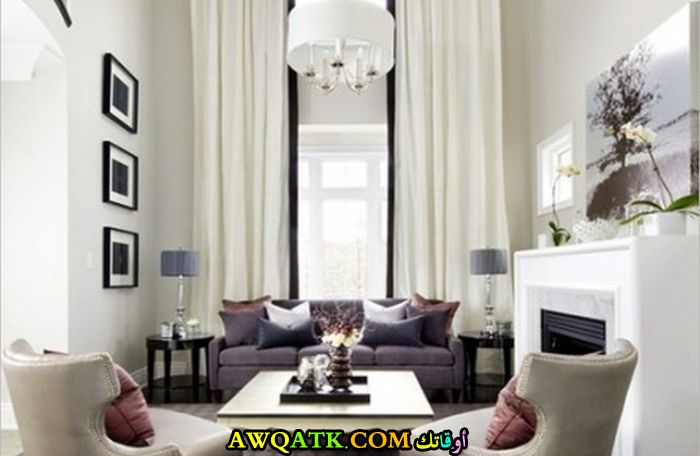 غرفة معيشة بألوان مبهجة رائعة