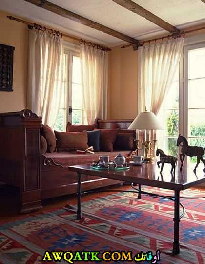غرفة معيشة أمريكية رائعة وجميلة