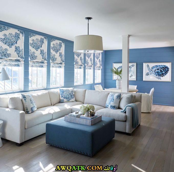غرفة معيشة باللون التركواز جميلة وبسيطة