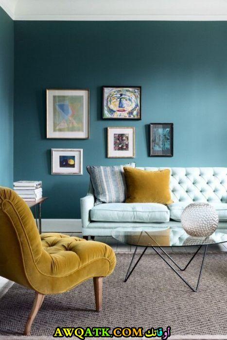 غرفة معيشة باللون التركواز رائعة