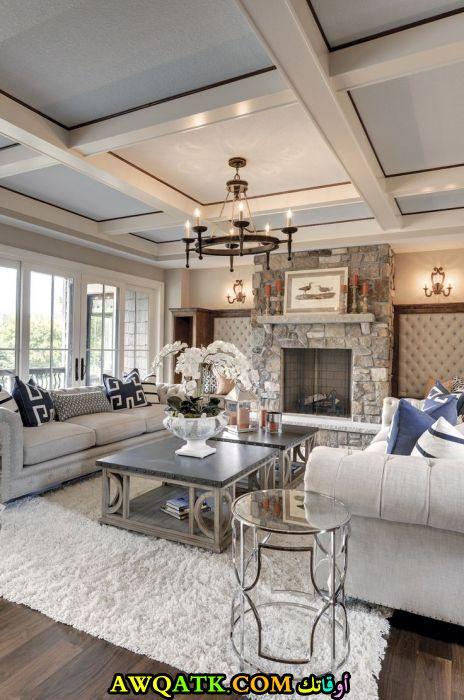 غرفة معيشة جميلة جداً