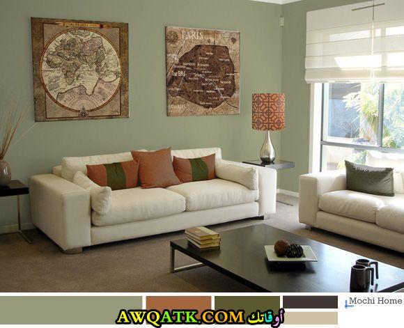 غرفة معيشة باللون الأخضر هادية وبسيطة