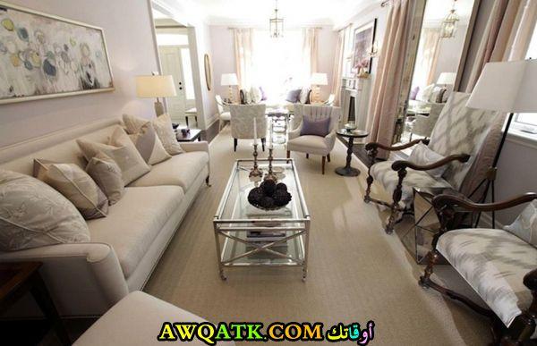 غرفة معيشة طويلة تناسب الذوق الراقي
