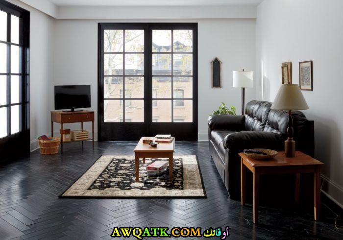 غرفة معيشة عملية بسيطة