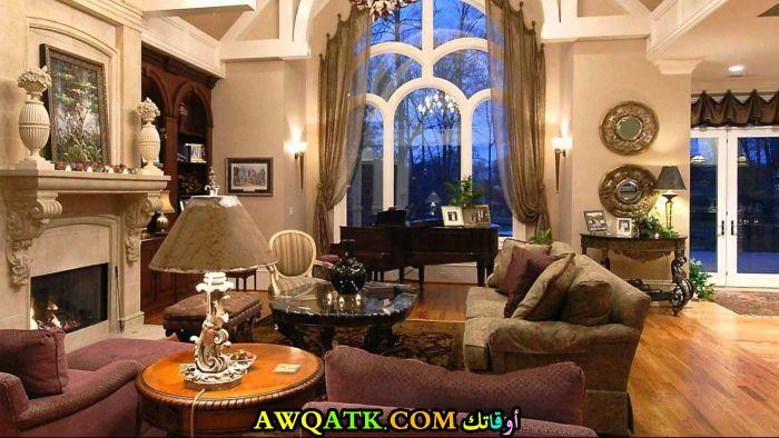 غرفة معيشة فخمة جداً وحلوة