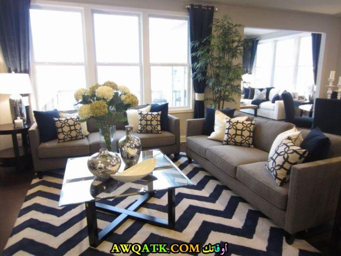 غرفة معيشة مودرن باللون الرمادي حلوة جداً