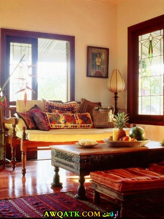 غرفة معيشة هندية تناسب الذوق الهادي