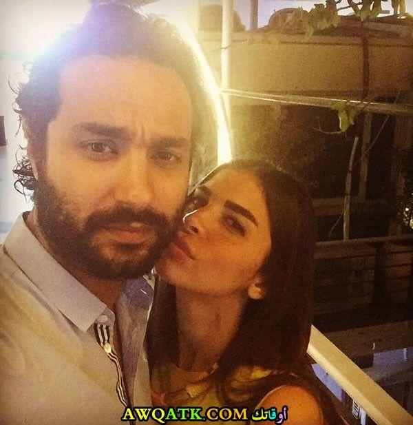 صورة الفنان كريم فهمي وزوجته