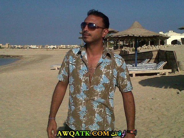 أحدث صورة للفنان المصري محمود عزت