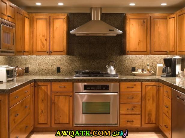 مطبخ خزائن يناسب المساحات الصغيرة