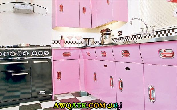 مطبخ روعة وجميل باللون الزهري