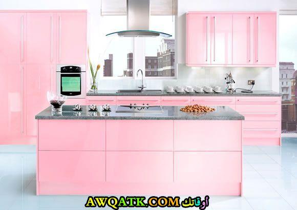 مطبخ باللون الزهري قمة في الشياكة