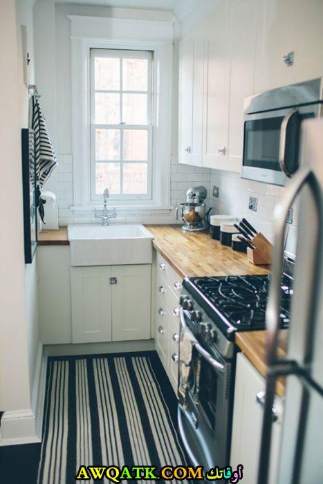 مطبخ عادي جميل جداً يناسب المساحة الصغيرة