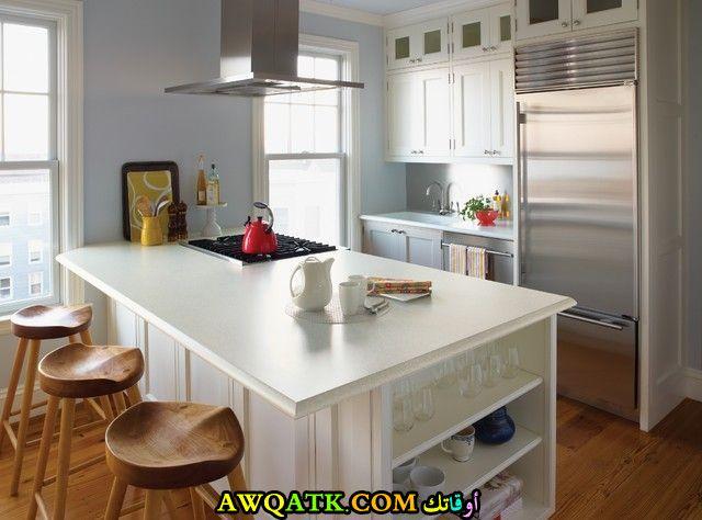 مطبخ فورمايكا باللون الأبيض قمة في الشياكة
