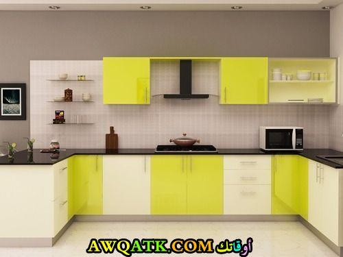 مطبخ فورمايكا هندي باللون الأصفر والأبيض