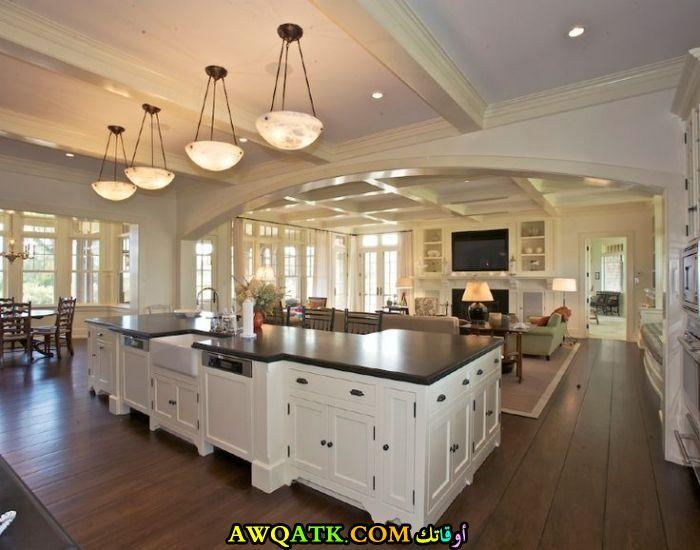 مطبخ مفتوح عصري وجديد