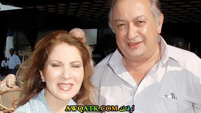 صورة الفنان نور الشريف وزوجته