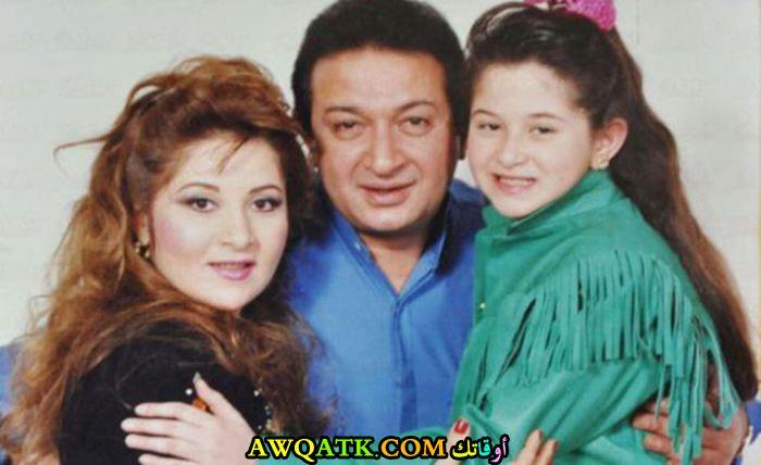 صورة عائلية للفنان نور الشريف مع أبنته مي و زوجته بوسي