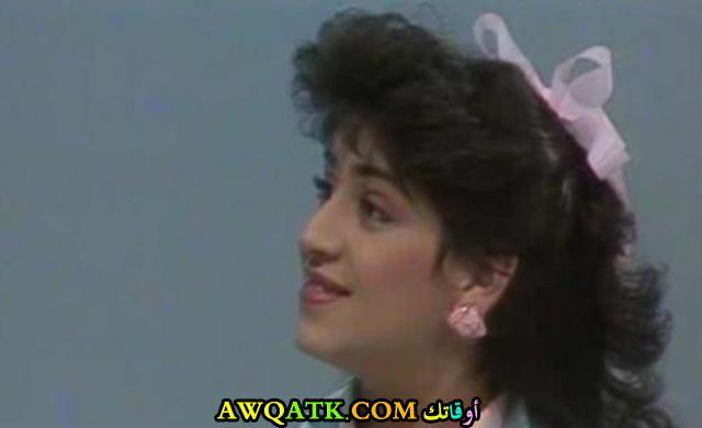 صورة قديمة للممثلة أمل الدباس