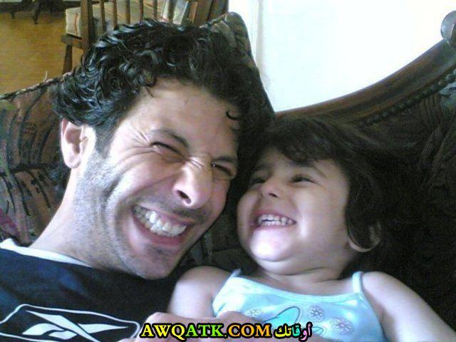إياد نصار مع ابنه