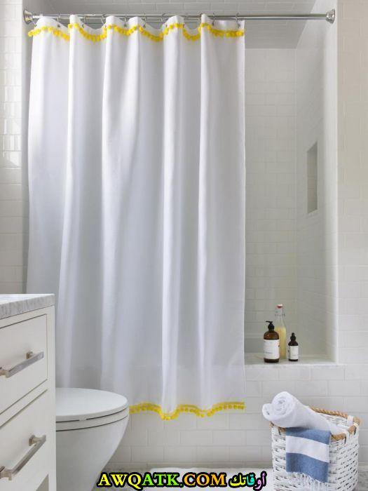 ستارة حمام بسيطة وهادية جداً
