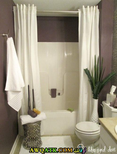 ستارة حمام بسيطة جداً